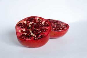 Granatapfel für die Mousse